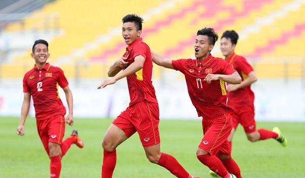Canh bạc lớn trước AFF Cup, Đoàn Văn Hậu nói gì?