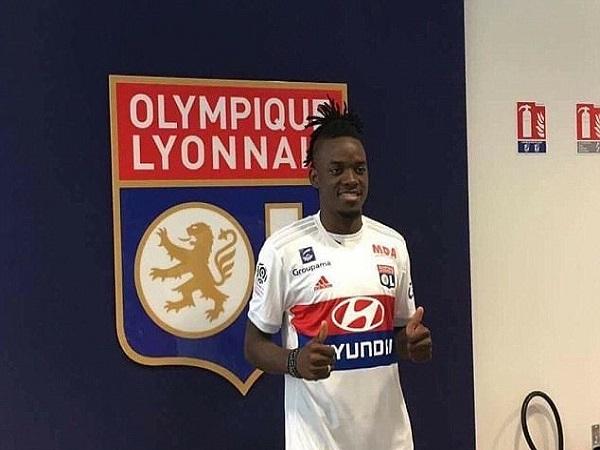 Tin chuyển nhượng: Bán Bertrand Traore cho Lyon, Chelsea cài điều khoản mua lại.