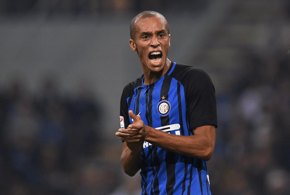 Tin chuyển nhượng 16/10: MU đánh tiếng mua trung vệ Inter