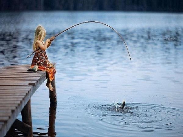 Mơ thấy đi câu cá là điềm báo gì, đánh con số nào may mắn?