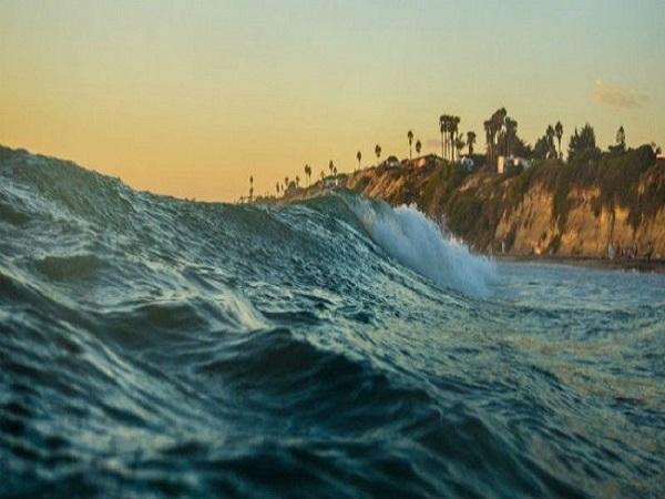 Nằm mơ thấy nước biển dâng cao mang lại điềm báo gì?