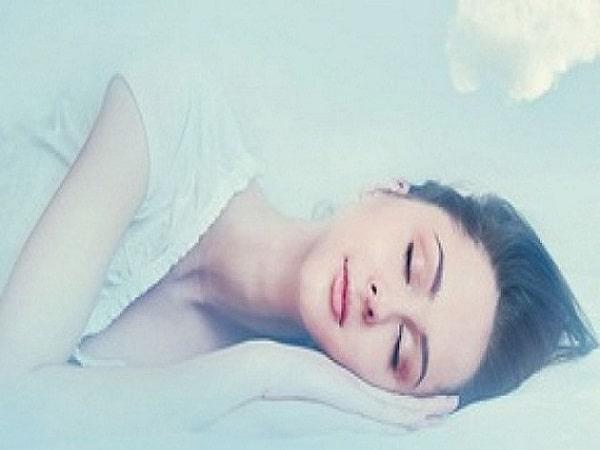 Giấc mơ thấy khỏa thân mang đến cho bạn những điềm báo gì?