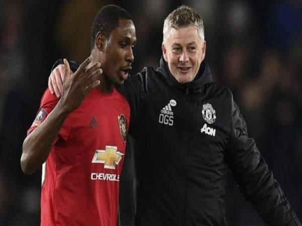 M.U bất ngờ đạt thỏa thuận giữ chân cầu thủ Odion Ighalo đến tháng 1.2021