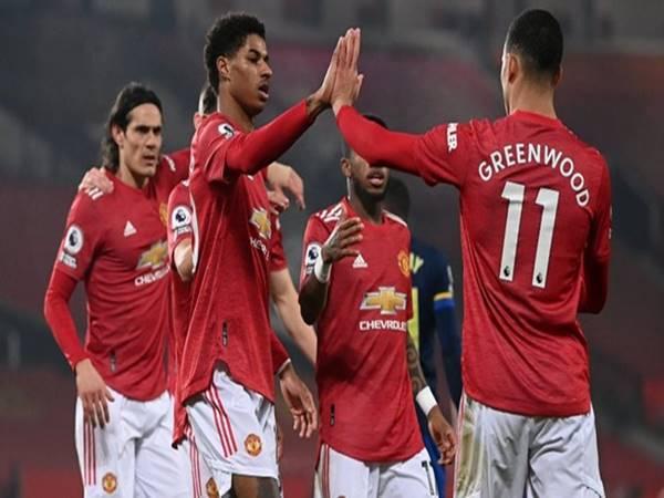 Bóng đá Anh 3/2: Cavani tỏa sáng trước Southampton