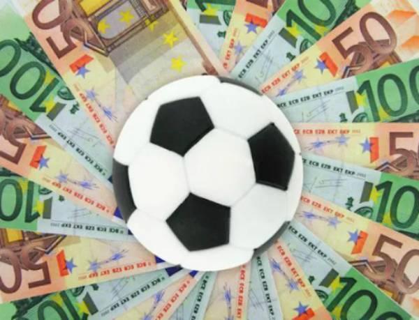 Góc hỏi đáp: Sự thật làm cò bóng đá kiếm hàng tỷ đồng mỗi tháng